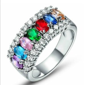 Jewelry - Women's colored silver band